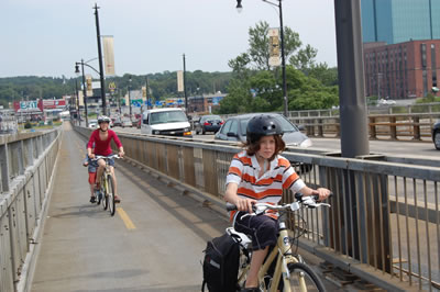 Macdonald-bridge-aug09_riders