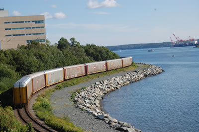 Dartmouth-harbourside-train-aug09
